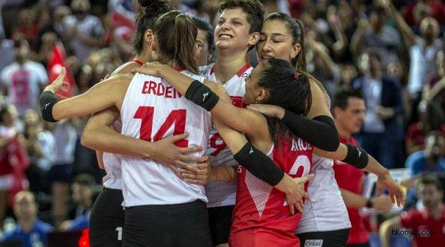A Milli Kadın Milli Voleybol Takımı, Avrupa 2'ncisi oldu