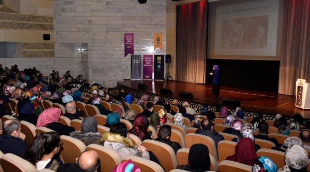 'Ailede Pozitif Disiplin' konferansı