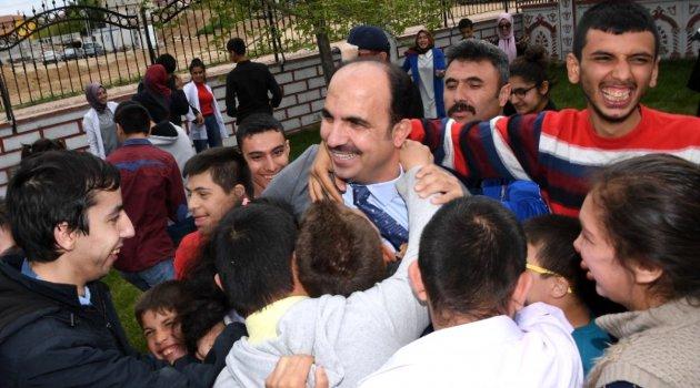 Altay: 'Sevgi varsa engel yoktur'