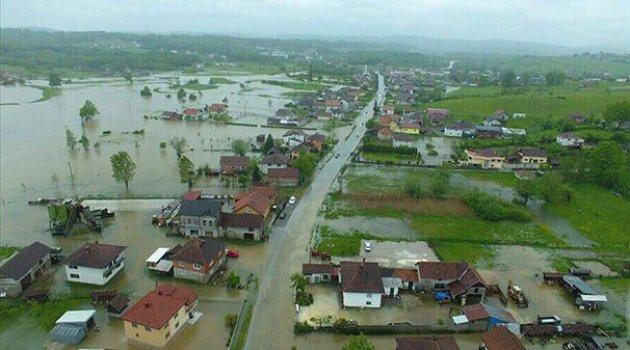 Bosna Hersek'teki sel hayatı olumsuz etkiledi