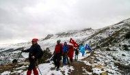 Dağcılar Doğu Türkistan'a destek  için Küpe Dağı'na tırmandılar