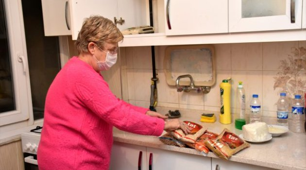 'Devletin şefkat eli' Hollandalı yaşlı kadının üstünde
