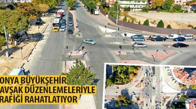 Büyükşehir kavşak düzenlemeleriyle trafiği rahatlatıyor