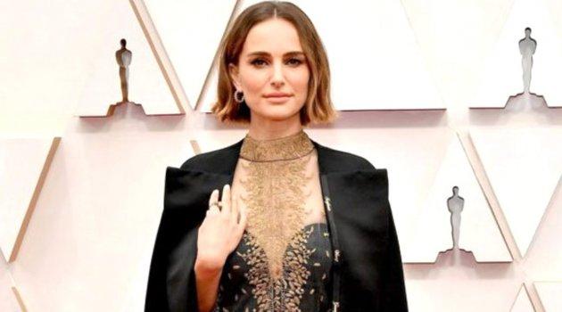Natalie Portman'ın protesto amaçlı giydiği ceket eleştirildi: İkiyüzlüsün