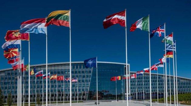 NATO, 8 Rus diplomatın akreditasyonunu iptal etti