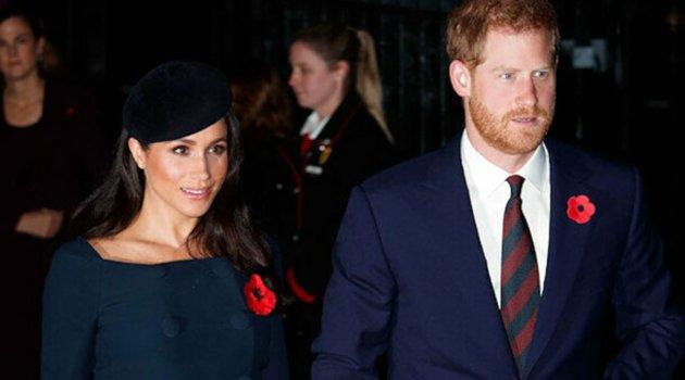 Prens Harry'nin Kraliyet Deniz Piyadeleri Generali görevine halası Prenses Anne getirildi