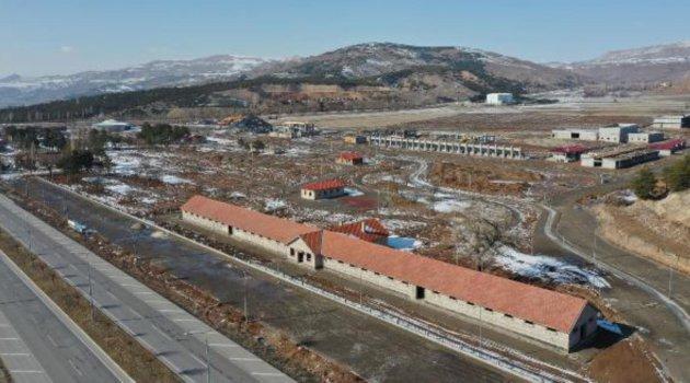 Sivas'ta Sultan Abdülhamid'e at yetiştirilen haraların da içinde olduğu kültür park çalışması sürüyor