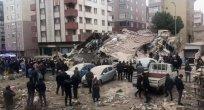 Altı katlı bina çöktü