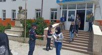 Beyşehir'de jandarmadan LGS'ye giren öğrencilere sınav çıkışı moral ikramı