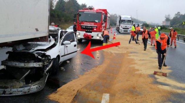 TEM'de 1 tır 1 minibüs ve 10 otomobil birbirine girdi: 3 yaralı