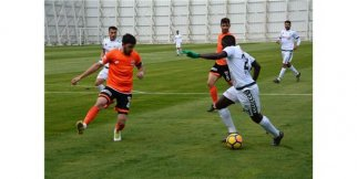 Konyaspor hazırlık maçında Adanasporu 3-2 mağlup etti